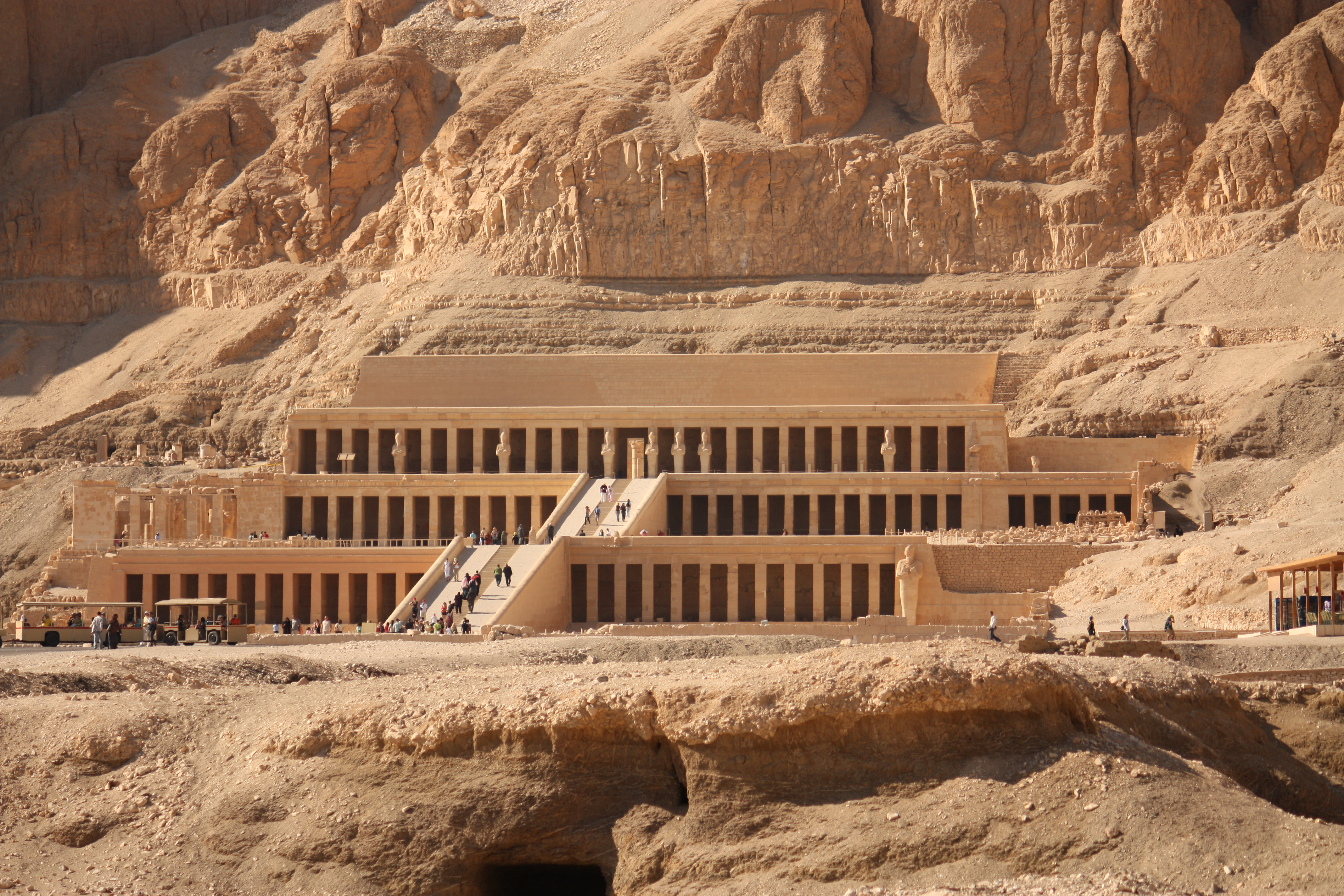 an analysis of the present condition of tomb kv5 in the valley of kings To see an example of this, all you have to do is take a look at the valley of the kings king tut's tomb is the most famous find of the valley.